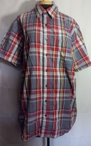 Old Navy fitted plaid short sleeve button up shirt